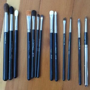 12 MAC Eye Brushes and a lip brush